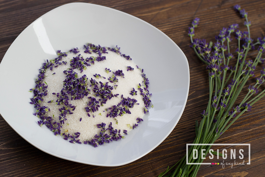 Lavender Blackberry Mojitos | designsofanykind.com