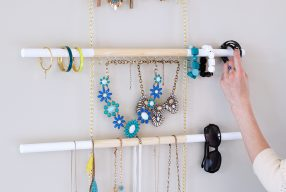 DIY // Modern Hanging Jewelry Organizer